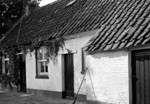 CLO142712-Hoeven-Kapelstraat-12-House