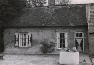 Old-Farm-with-Barn-on-Chaamseweg
